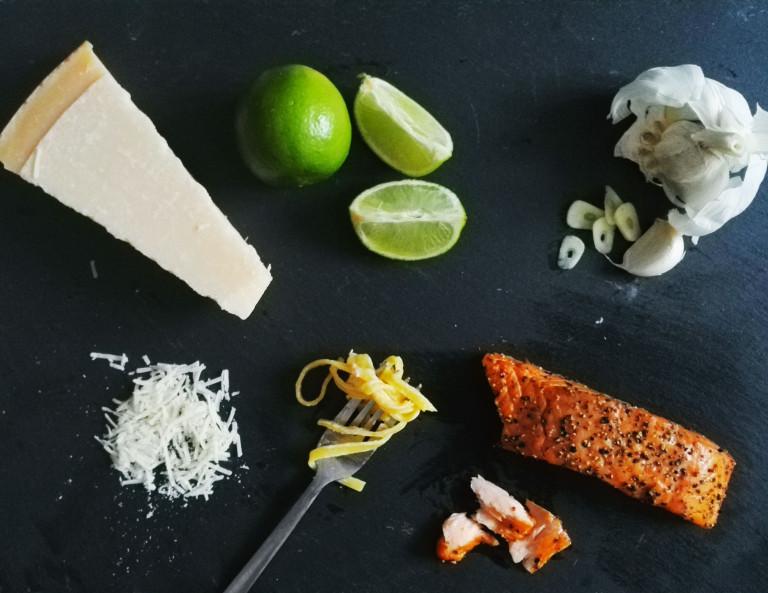 Parmesan, Limette, Knoblauch, Lachs und Linguine