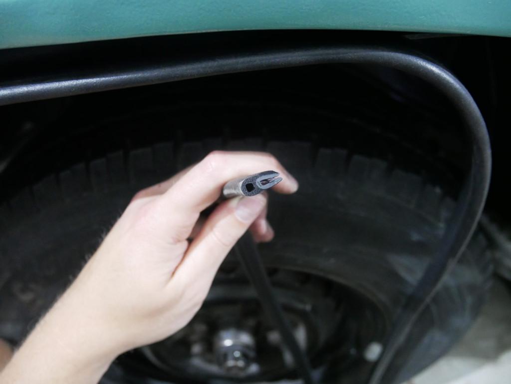 VW T3 Kantenschutzprofil für Radhausschale anbringen