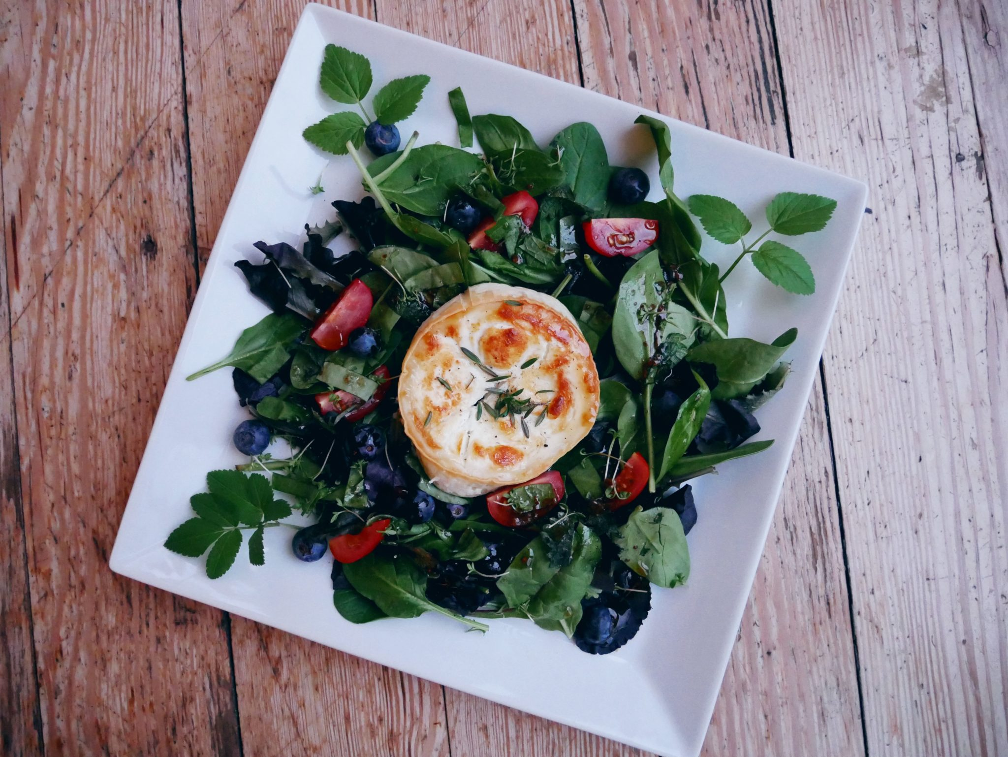 Salat, Ziegenkäse, Bulli, Outdoorküche, Wildkräutersalat