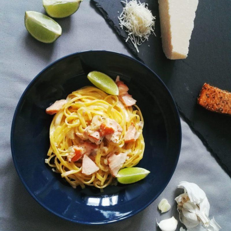 Pasta Lachs Knoblauch Limette und Knoblauch