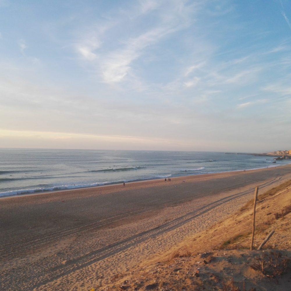 Düne und Ozean in Capbreton Frankreich